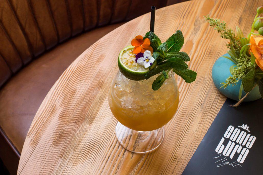 Maridaje cócteles y gastronomía en Santa Burg